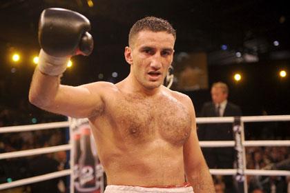 Чемпионский бой сорвался из-за отказа боксеру в американской визе