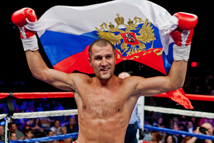 Российский боксер вызвал на бой старейшего чемпиона мира