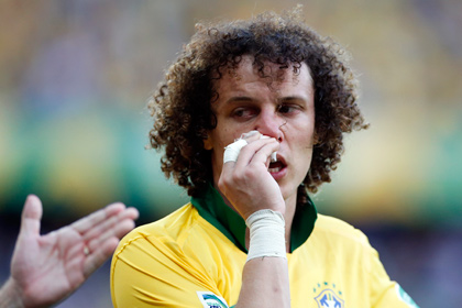 Футболист сборной Бразилии сломал нос в столкновении с партнером