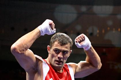 Российский боксер проиграл взвешивание чемпиону мира