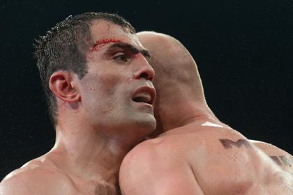 Российский боксер назвал причину поражения в чемпионском бою