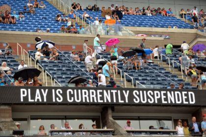 На US Open приостановили все матчи