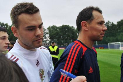 Два футболиста сборной России попали в сотню лучших игроков по версии УЕФА