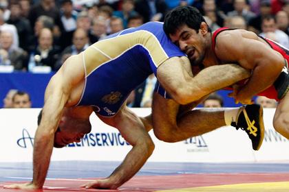 Призер Олимпиады рассказал о попытке подкупа во время ЧМ по борьбе в Москве