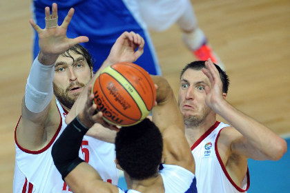 Россияне в третий раз подряд проиграли на Евробаскете