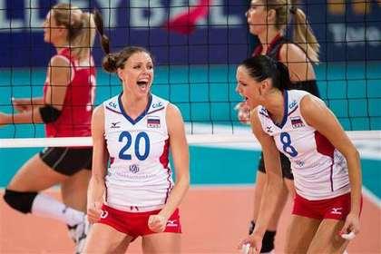 Россиянки вышли в полуфинал чемпионата Европы по волейболу