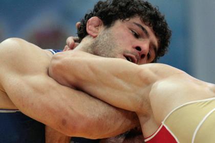 Травмированный российский борец выиграл золото чемпионата мира