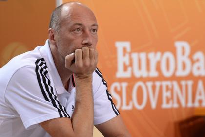 Тренер сборной России назвал причину поражения в первом матче Евробаскета
