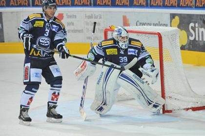 В матче чемпионата Швейцарии по хоккею отменили четыре гола