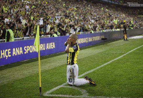 Алекс: «Бразильский футбол погружают в бездну»