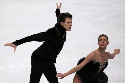Российские фигуристы взяли в Париже серебро в танцах на льду