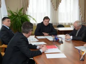 Достраивать спортцентр в Новодугино пригласят нового подрядчика