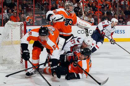 В матче НХЛ подрались вратари