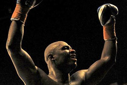 Бывший чемпион мира по боксу выиграл первый бой после дисквалификации