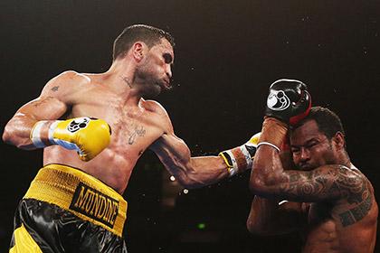 Шейн Мосли проиграл австралийскому боксеру
