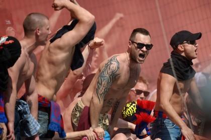 Фанатов ЦСКА сняли с рейса в Манчестер