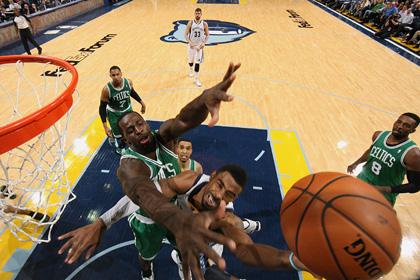 «Бостон» проиграл четвертый матч на старте сезона НБА