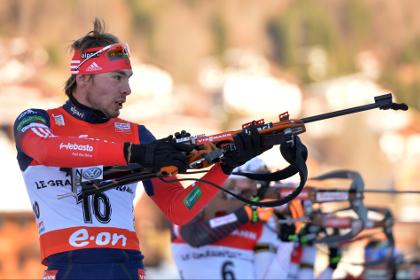 Россиянин занял третье место на этапе Кубка мира по биатлону