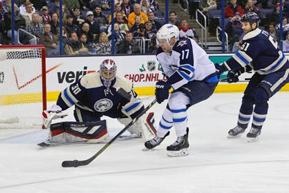 В матче НХЛ забросили четыре шайбы за девять минут