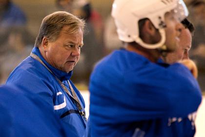Новичок КХЛ остался без главного тренера