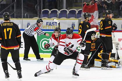Канадцы забросили семь шайб в стартовом матче молодежного ЧМ