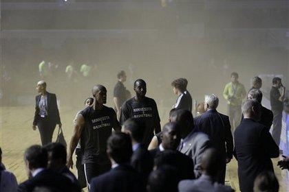 Стадион в Мехико эвакуирован перед матчем НБА