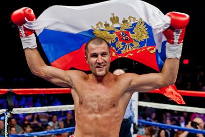 Российский боксер Сергей Ковалев защитил чемпионский титул