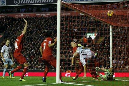 «Вест Хэм» и «Ливерпуль» забили три автогола за матч