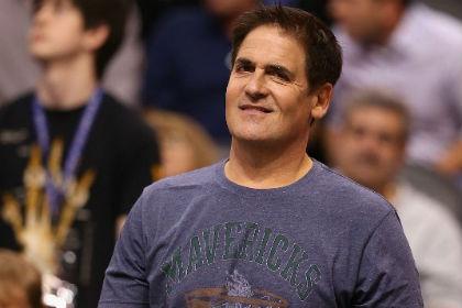 Владельца клуба НБА оштрафовали на 100 тысяч долларов за ругань в адрес судей