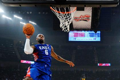 Названы стартовые составы команд на Матч звезд НБА