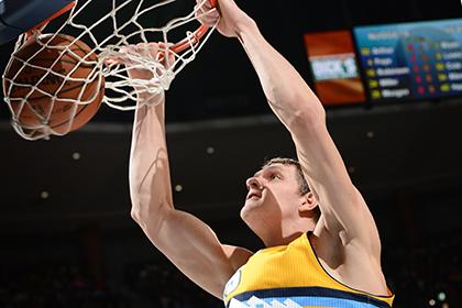 Тимофей Мозгов набрал 20 очков в матче НБА