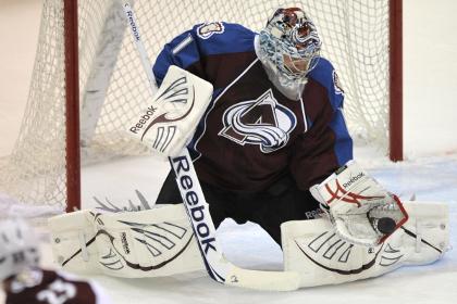 Команда Варламова оказалась в шаге от выхода в следующий раунд плей-офф НХЛ