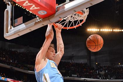 Тимофей Мозгов набрал 15 очков в матче НБА