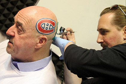 Канадский мэр сделал татуировку с эмблемой клуба НХЛ на голове