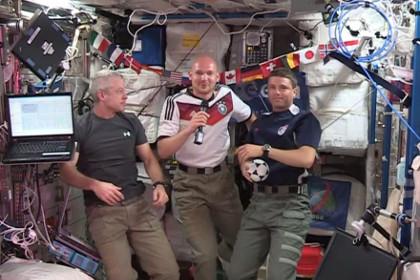 Экипаж МКС превратится в заядлых болельщиков