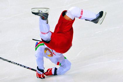 Белорусский хоккеист подписал контакт с футбольным клубом