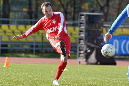 Дворкович повредил руку в матче за сборную России на ЧМ по футболу среди артистов