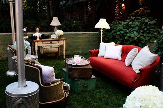 Выбираем диванную зону или лаунж на свадебном мероприятии