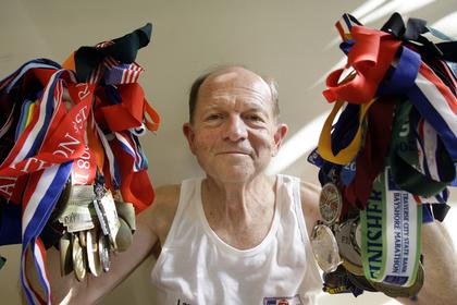 69-летний американец пробежал рекордные 239 марафонов за год