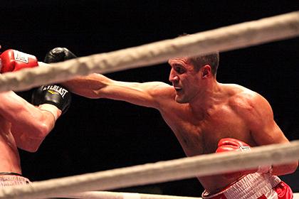 Российский боксер предложил бой 49-летнему американцу