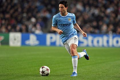С уменьшением зарплаты Насри продлил контракт с «Манчестер Сити»