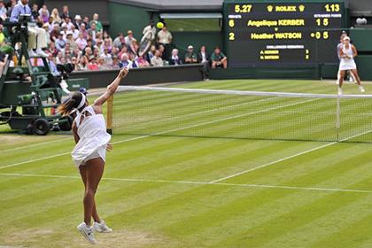 На Уимблдоне теннисисток вынудили играть без нижнего белья