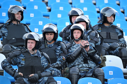 ОМОН предотвратил массовую драку на матче ЦСКА — «Торпедо»