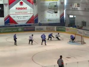 Смоленский «Славутич» уступил тверским хоккеистам