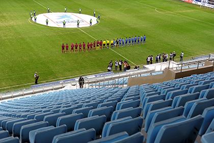 Российских футболистов попросят отказаться от мата на пустых стадионах