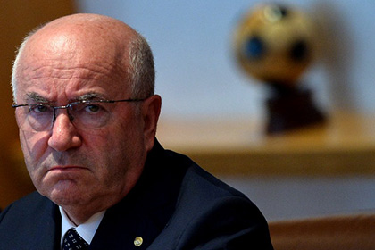 УЕФА расследует расистские высказывания президента Федерации футбола Италии