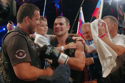 Боксер Чудинов защитил титул чемпиона мира в Севастополе