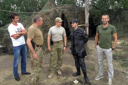 Украинский теннисист подарил силовикам восемь бронежилетов