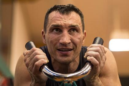 Кличко отменил бой с болгарским боксером из-за травмы