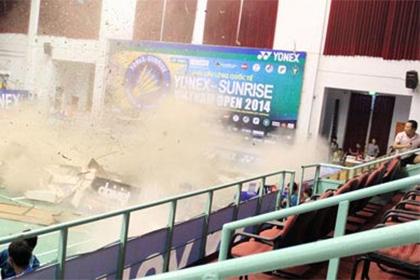 На бадминтонном турнире во Вьетнаме обвалился потолок
